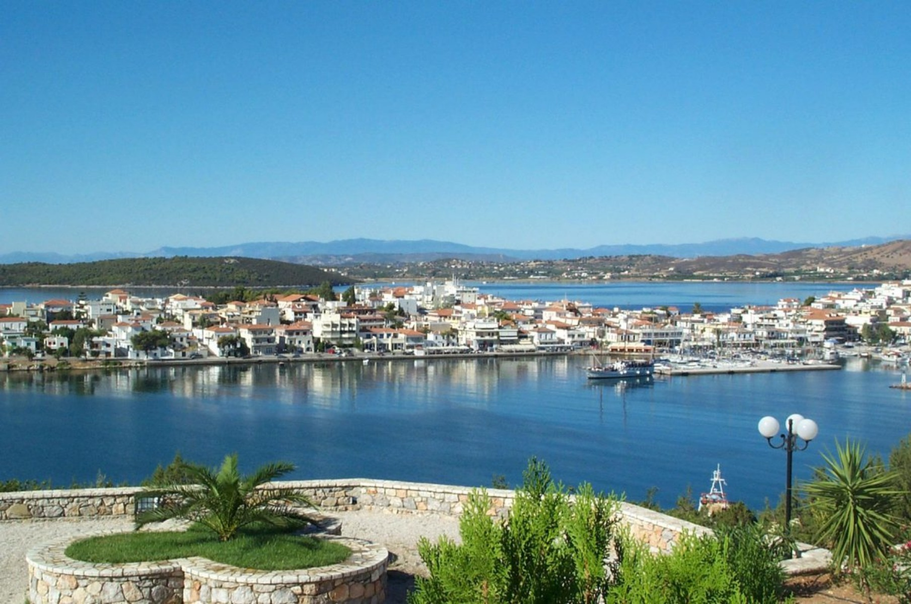 Ermioni, l'isola di Hydra e un assaggio di Peloponneso