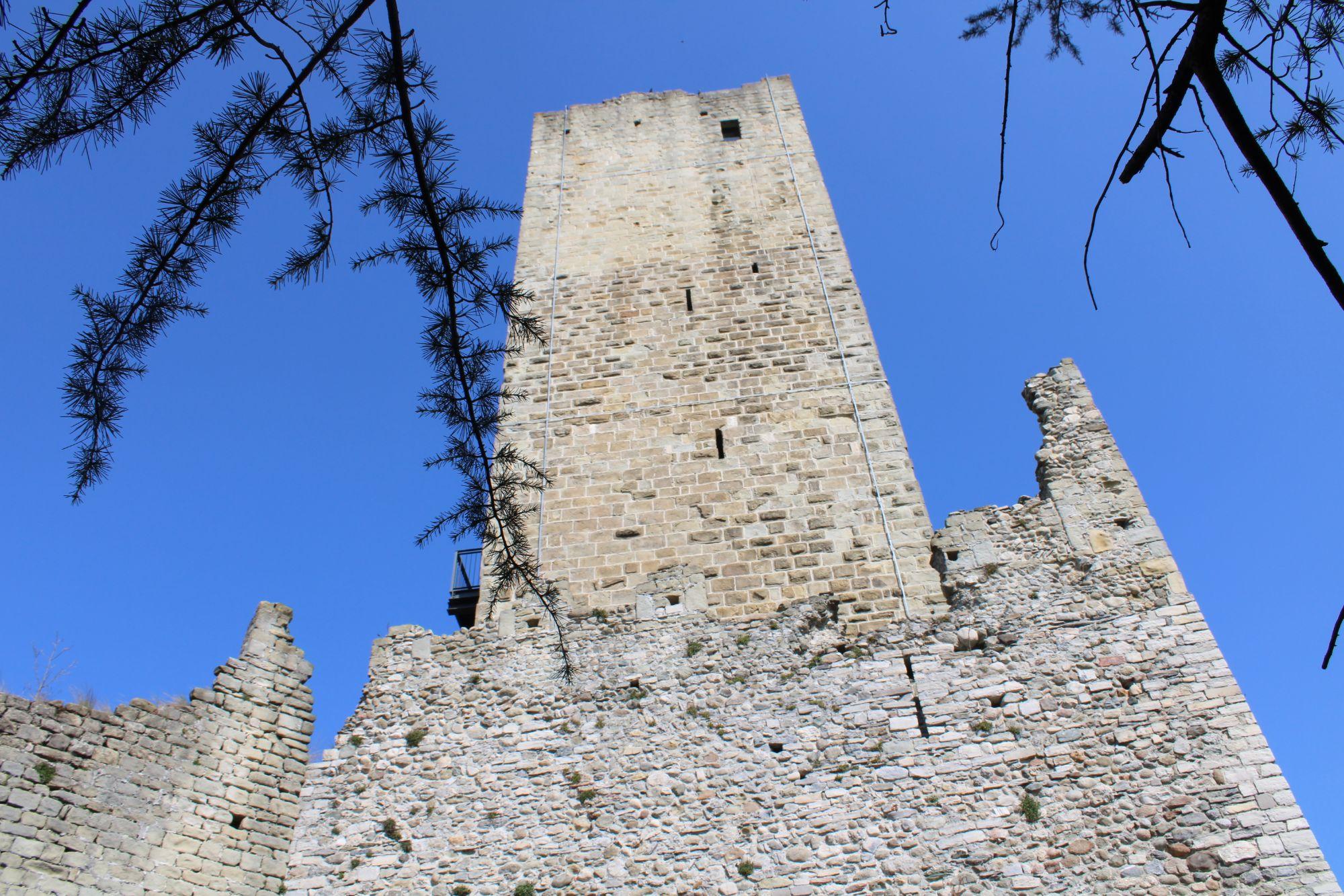 Una passeggiata al Castel Baradello, sulle colline di Como