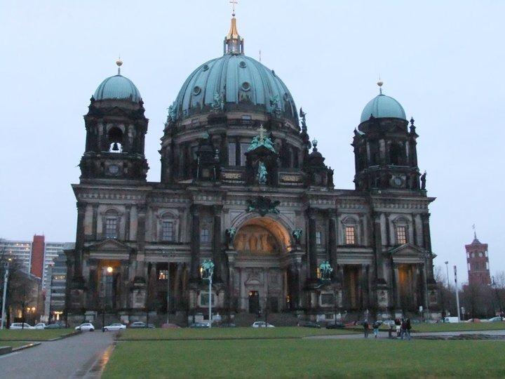 berlinerdom-1600089041.jpg