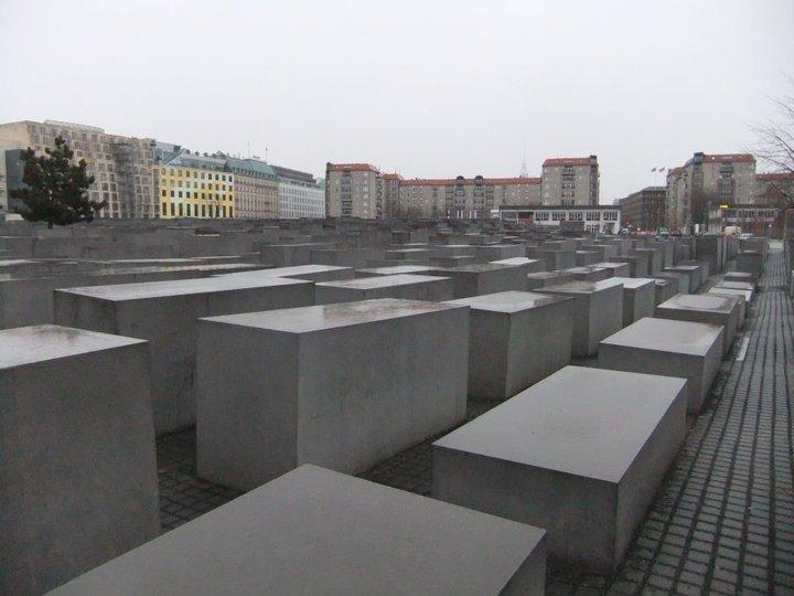 olocausto-1600088858.jpg