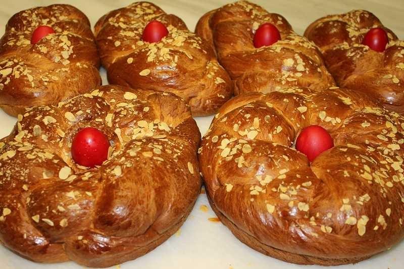 Pasqua greca senza agnelli... Ricetta per un gustoso Tsoureki, il pane dolce